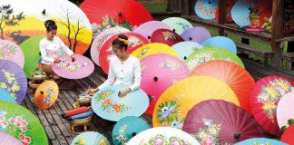 Chiêm ngưỡng những chiếc ô sặc sỡ tại Hội chợ ô tại Bosang