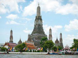 Chùa Wat Arun mang đậm nét kiến trúc Thái Lan