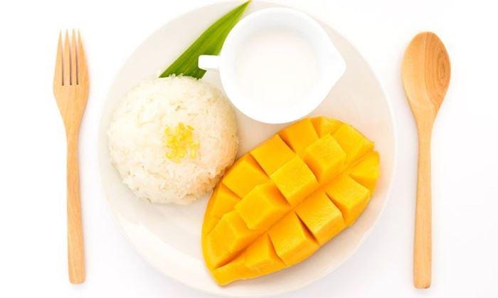Xôi xoài những món ăn đường phố rất nổi tiếng ở Thái Lan