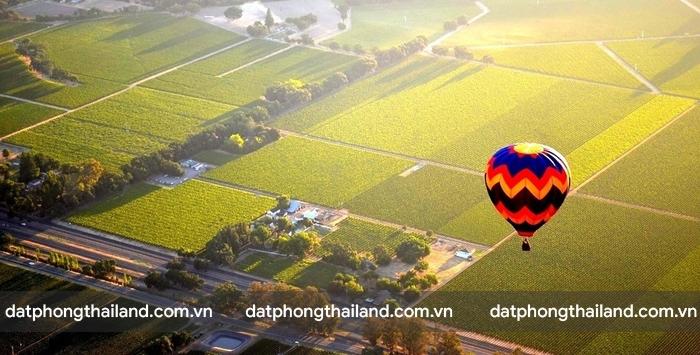 Du lịch bằng khinh khí cầu là trải nghiệm thú vị ở Chiang Mai
