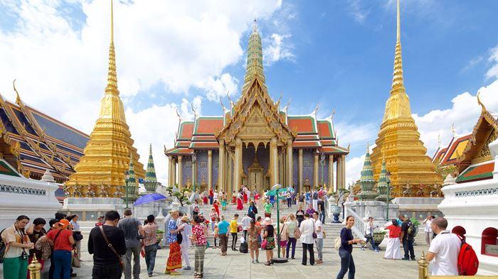 Lựa chọn trang phục khi đến đền chùa