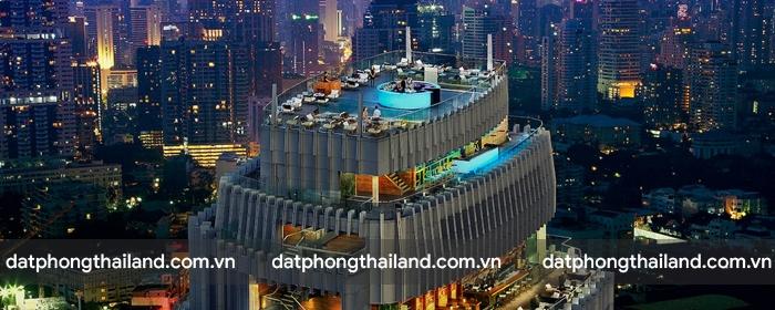 Octave Rooftop Bar chiếm trọn 4 tầng cao nhất của Marriott Hotel với tầm nhìn đắt giá nhất Bangkok