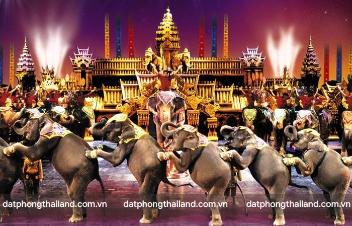 Phuket Fantasea Show với những chú voi là diễn viên chính